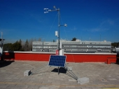 Portable weather monitoring station EG901-Portatil  current location: (657 m.a.s.l.)
