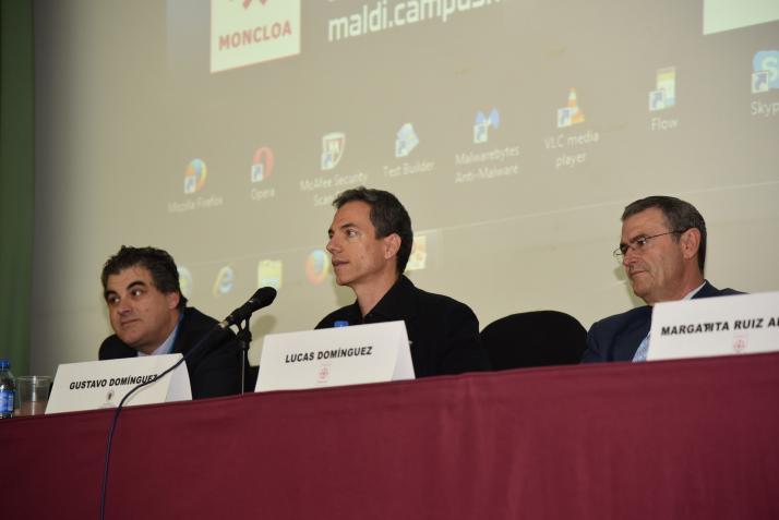 Pedro Cano, Gustavo Domínguez y Lucas Domínguez. Jornada de Identificación Microbiológica por Espectrometría de Masas MALDI Biotyper