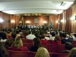 Público escuchando la orquesta en la Noche de los Investigadores